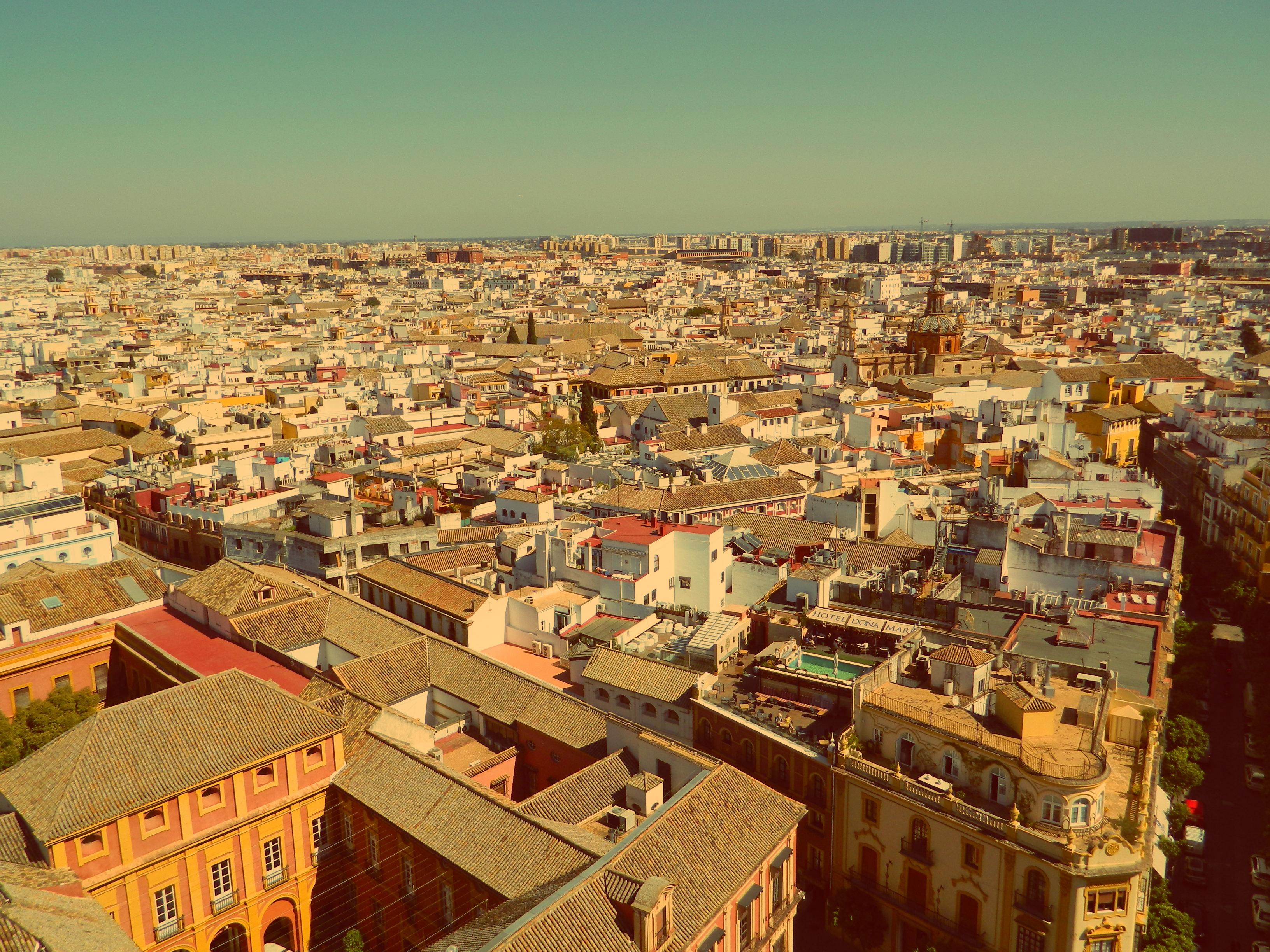 Widok na miasto ze szczytu Giraldy
