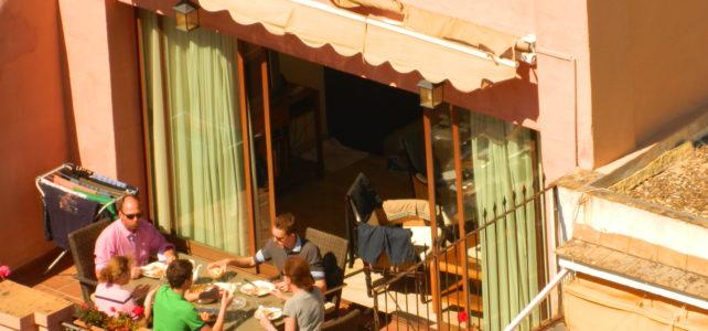 Jak kupić mieszkanie dla turystów w Sewilli?